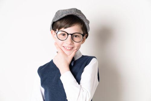 眼鏡の少年